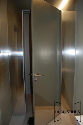 Durys - stiklas ir akrilas 45